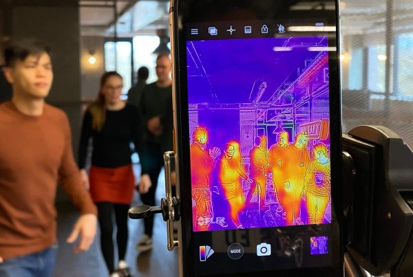 CAT S61 Smartphone features an integrated FLIR thermal imaging system which can be used for elevated screen temperature screening.